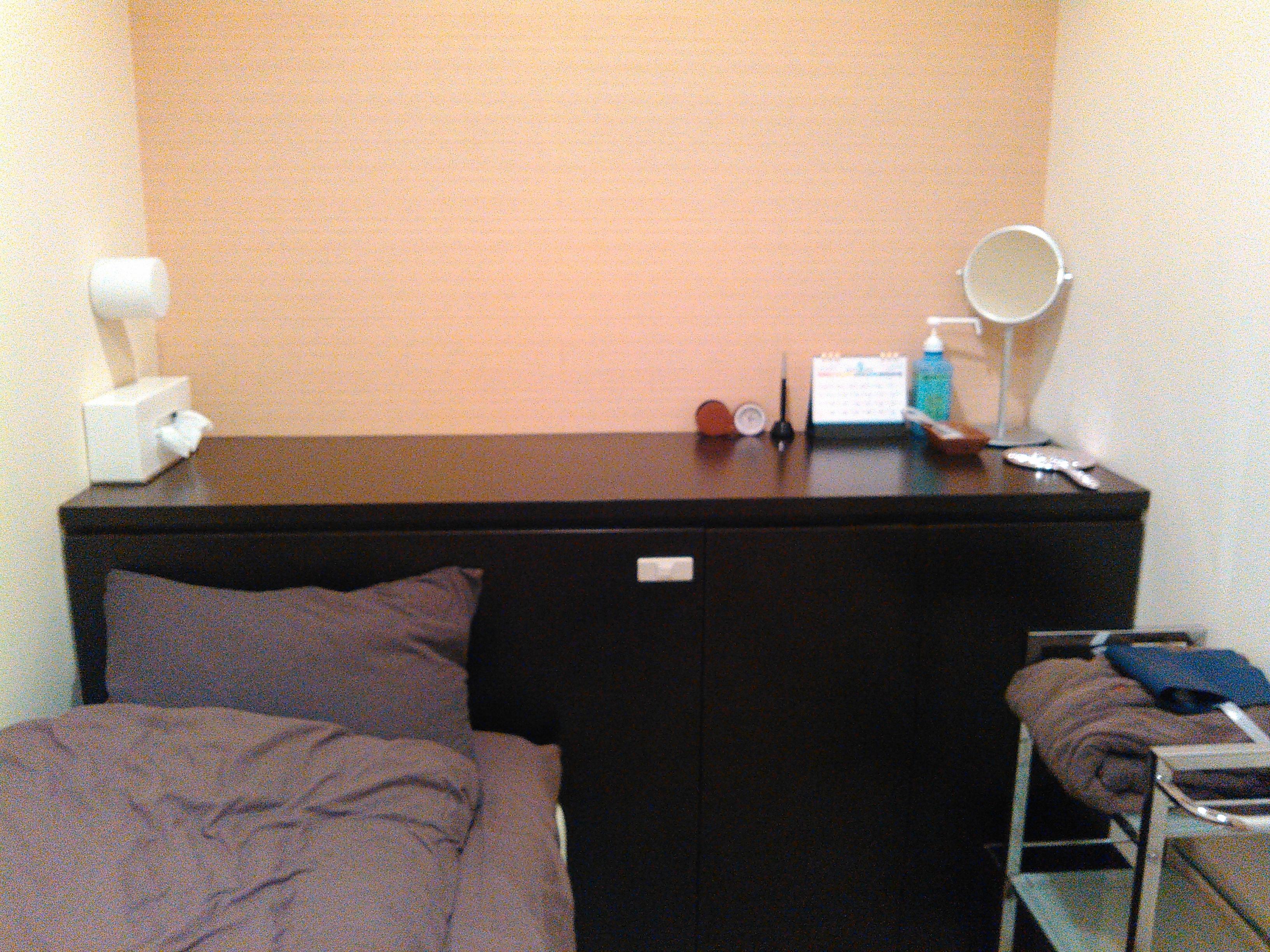 着替えと麻酔で寝てる部屋。清潔感があり、落ち着くお部屋です。